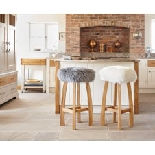 Gwyn Baa Bar Stool - Ivory Sheepskin