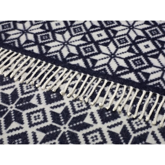 Bronte By Moon Merino Lambswool Snowflake Throw - Navy/White
